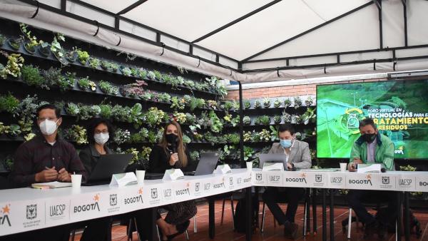 UAESP realizó foro sobre tecnologías para el tratamiento de residuos