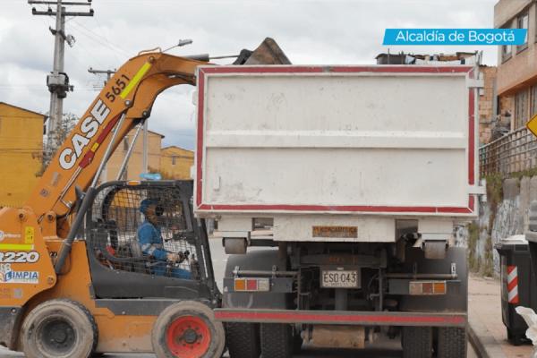 Recolección de escombros en Suba
