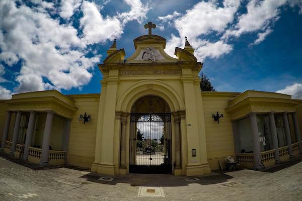 Comunicado a la ciudadanía, usuarios y visitantes de los cementerios del Norte, Sur, Central y Parque Serafín.