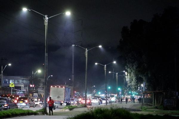 Finalizó la modernización de la iluminación de seis tramos en la calle 13