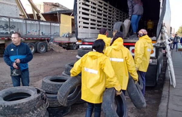 """Más de cuatro mil llantas abandonadas se recolectaron en """"Llantatón distrital"""""""
