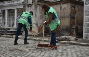 Jornada de limpieza y embellecimiento de la zona histórica del Cementerio Central.