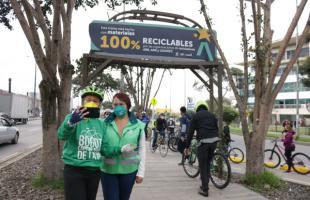 Bogotá tiene el primer mobiliario urbano hecho con materiales 100% reciclables