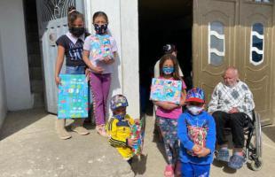 Los niños y niñas de Mochuelo recibieron una sorpresa navideña